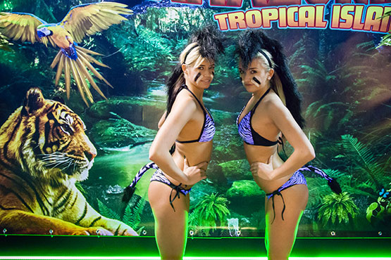 Amazonia Tropical Island party